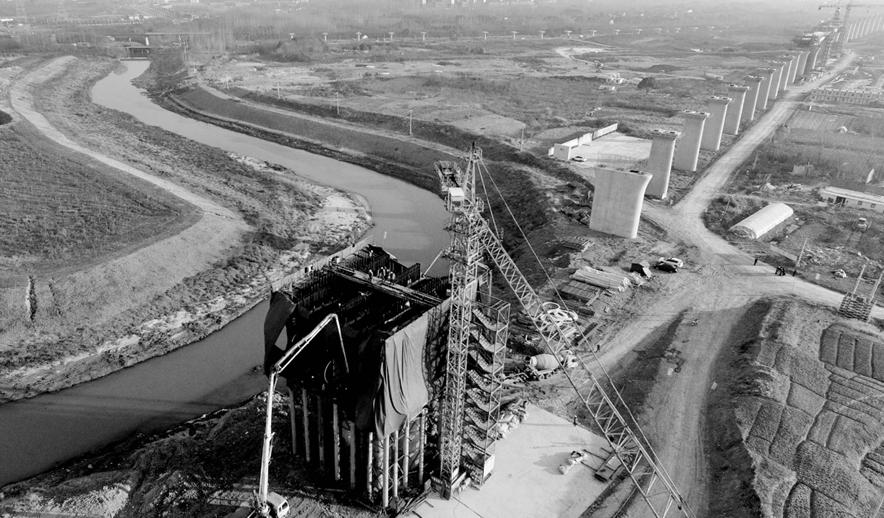 合安高铁最大连续梁拱桥开始浇筑