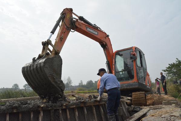 巢湖:帮扶资金筑起新沙河坝