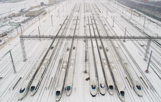 动车停库避风雪