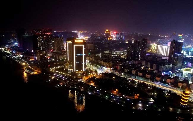 新華網安徽航拍:夜觀美麗江城 俯瞰魅力蕪湖