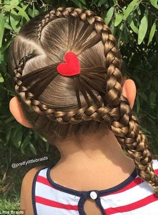有一個會編頭發的媽媽 真的能在女兒頭上玩朵花