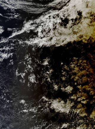 """太陽的陰影:NASA衛星捕捉日全食""""投射""""太平洋"""