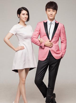 張丹峰洪欣夫妻檔寫真曝光 相愛11年甜蜜依舊