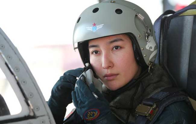 首批飛豹戰機前艙女飛行員即將誕生