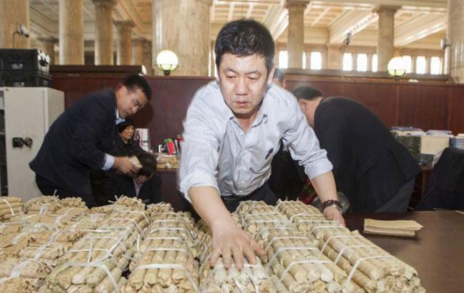 長春一男子存進銀行10萬元硬幣 重約800公斤