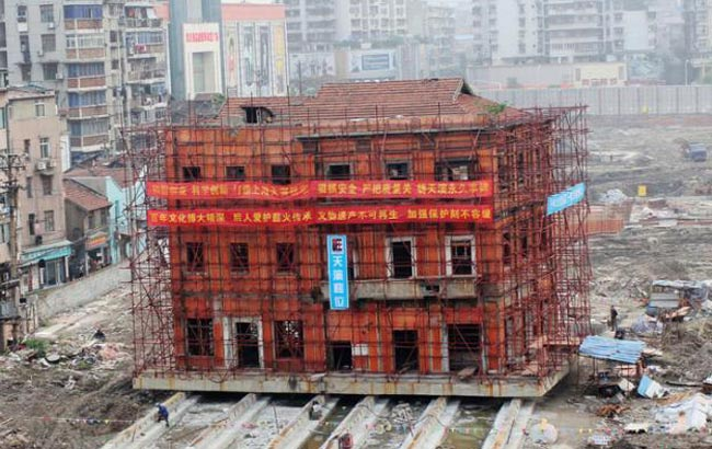 武漢開始保護性平移一百年建築 10天將移70米