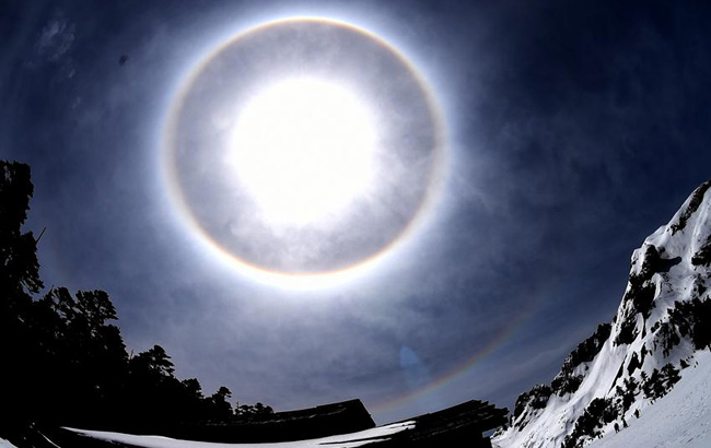 香格裏拉巴拉格宗雪山美景如畫
