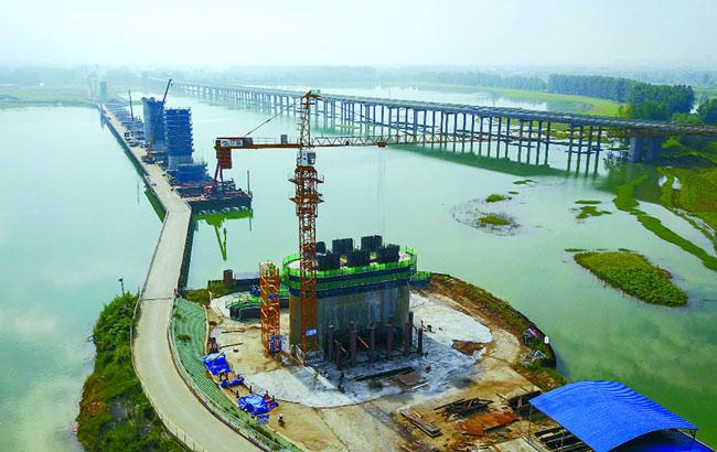 商合杭特大桥加速跨淮河 预计2019年1月底建成