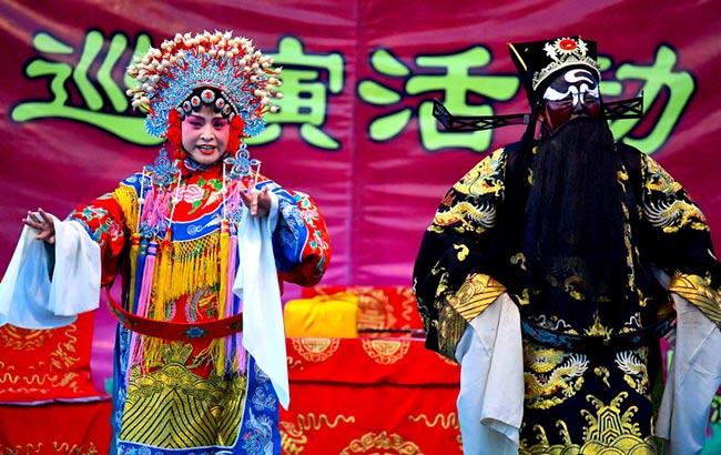安徽亳州:百场大戏进社区