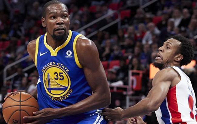NBA常规赛:勇士胜活塞