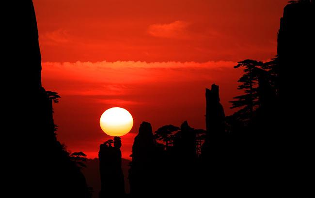 日出江山紅似火