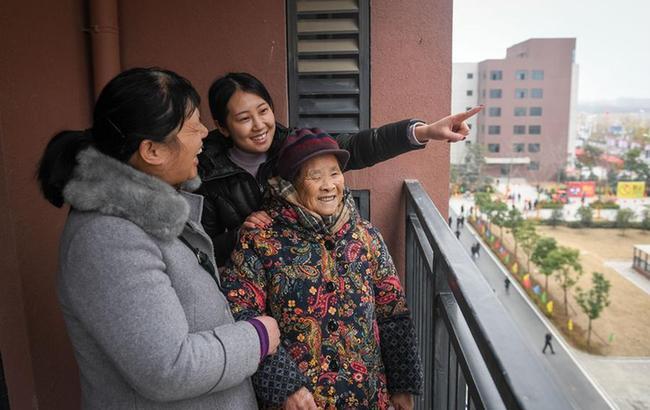 安徽合肥:新年遷新房