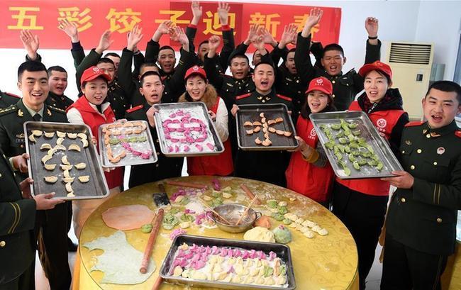 合肥:軍民共迎新春