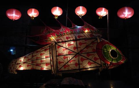 又是一年新春到 百年魚燈鬧元宵