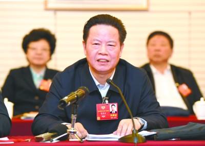 張昌爾參加全國政協十三屆一次會議分組審議