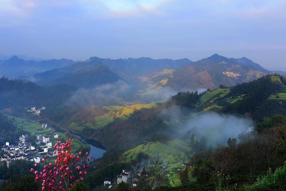 石潭雲雨畫清晨 微山微雨入春來
