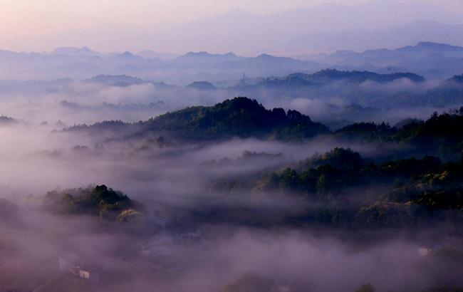 山作香爐雲作煙