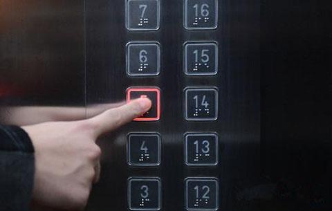 """電梯頻出""""狀況"""" 居民擔驚受怕"""
