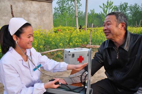 簽約村醫上門 健康服務提質