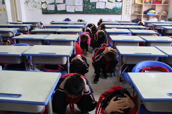 合肥一六八玫瑰园学校开展汶川地震十周年纪念暨5.12防震疏散演练