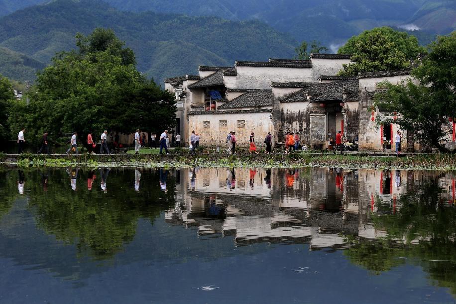 水墨映宏村 人在画中游