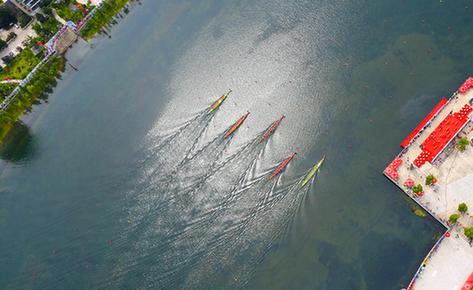 航拍:2018安徽省龍舟公開賽首站揮槳