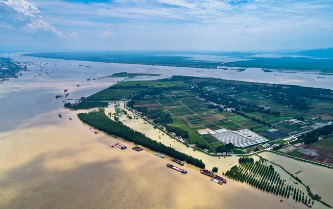 航拍:长江安徽铜陵段江底电缆施工