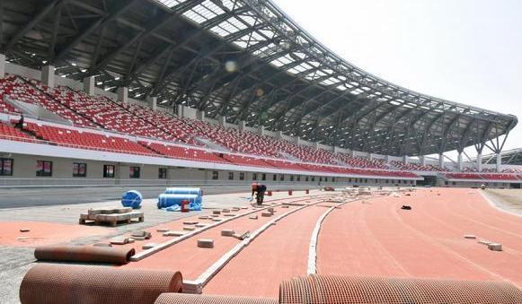 蚌埠體育中心將竣工 兩條巨龍呼之欲出