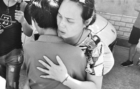母子走散28年昨重逢 一句方言讓流浪女找到回家路