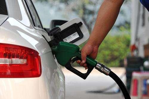 @安徽车主:油价又涨了!加满一箱油多花5.5元