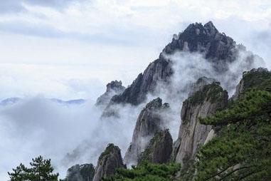 中秋小长假首日:黄山风景区接待中外游客达9618人