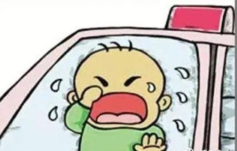 他,勇砸車窗救孩童