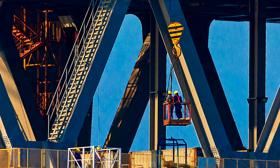路橋建設顯身手