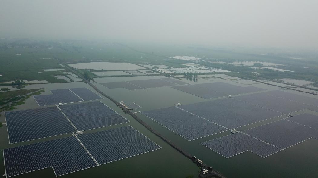 淮南市大通區亞洲最大的水上漂浮光伏電站