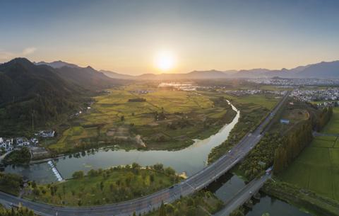 安徽:推进乡村全面振兴 奔向全面小康社会