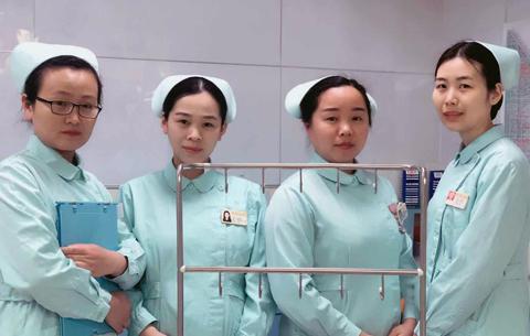 高鐵車廂女童突發疾病 四名護士合力援救