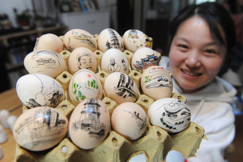 """畫在雞蛋上的""""鄉愁"""""""