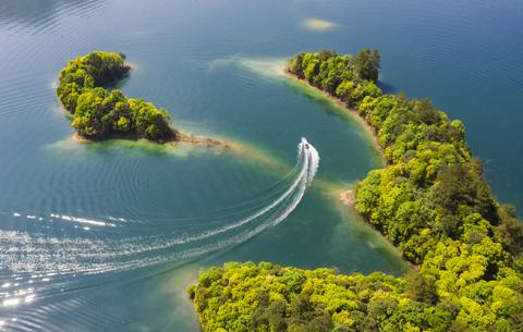 航拍:山青水更綠 春滿太平湖