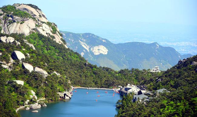 """""""五一""""小長假:天柱山風景區接待遊客6.85萬人次,同比增長115.4%"""