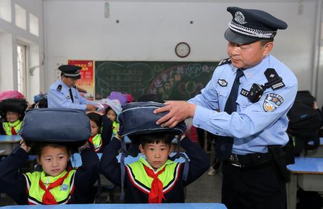 安徽淮北:防災減災模擬演練進校園