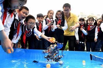 合肥:校園裏感受科技魅力