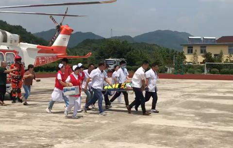 微視頻:直升機馳援 空中轉移80歲高齡病人