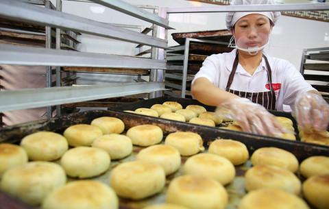 傳統手工制作:匠心月餅 味美情濃