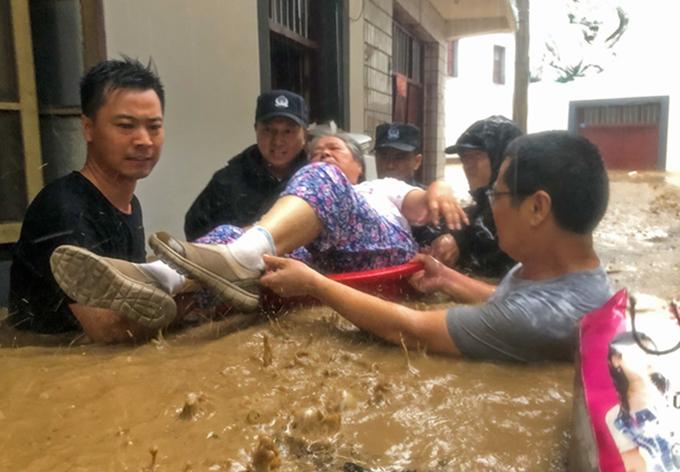 宣城全力以赴抗擊臺風災害