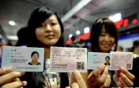 國慶假期返程火車票開售熱門車次一票難求