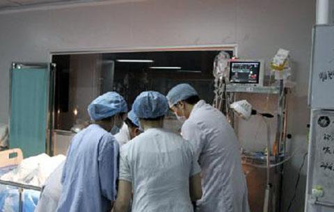 兩個小時生死搶救 二胎媽媽母子平安