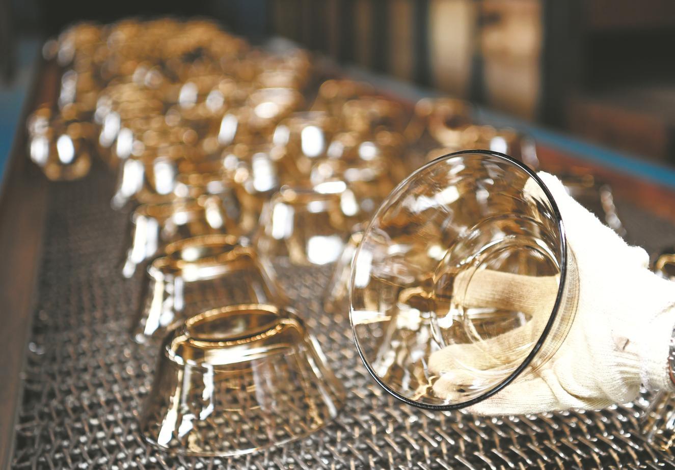 鳳陽德力日用玻璃股份有限公司生産的高端玻璃碗行銷海外