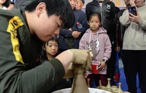 安徽宣城:觀非遺 傳文化