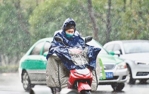 合肥25日正式入冬 初雪飄(piao)然為冬天揭幕