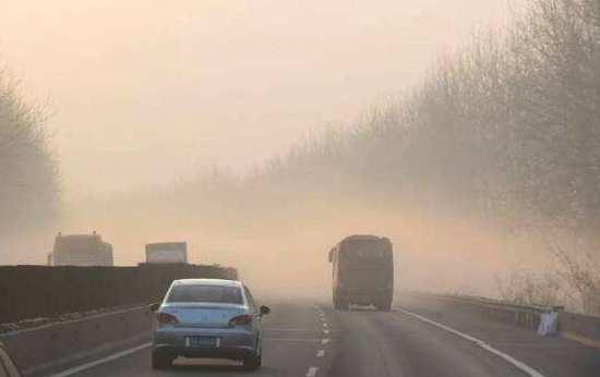安徽高速公路明年將再建29套霧區誘導防撞係統